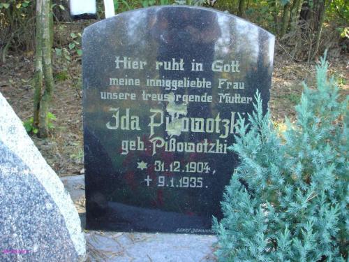 KU PAMIĘCI dla wszystkich mieszkańców Maszt którzy na tym cmentarzu znaleźli miejsce ostatniego odpoczynku #Maszty