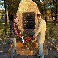 Zgodnie z tradycją młodzież porządkuje miejsca związane z Fundatorem szkoły oraz jej zasłużonymi pracownikami #Sobieszyn #Internat #ŚwiętoZmarłych