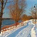 Puławy - bulwar nad Wisłą #Puławy #zima #Wisła #bulwar