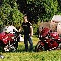 Kumpel i jego Transalp oraz moje KAWASAKI. Fotka z MotoGP Brno 2005. #motor #motocykl #kawasaki #suzuki #honda #yamaha #sport #motory #motocykle #wyścigi #ścigacz #ścigacze